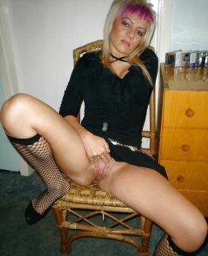 nackte deutsche Hündin online Sexbilder - gratis Porno un Sex Bilder - Bild 4131